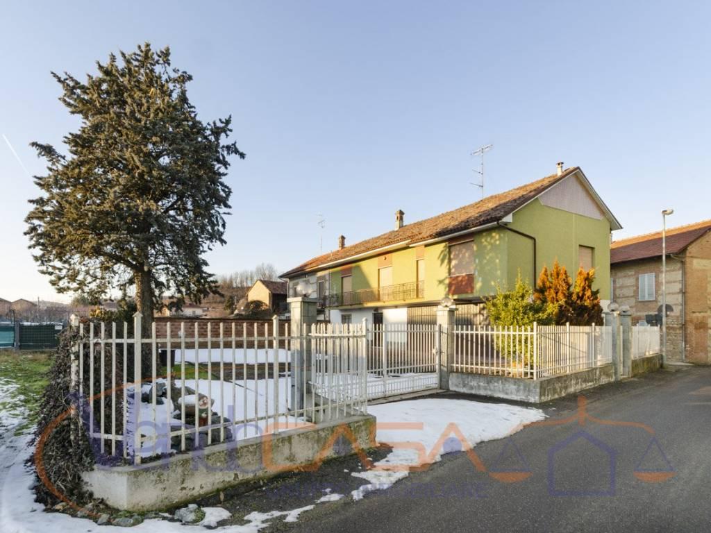 foto esterno Detached house via Alcide De Gasperi 8, Govone