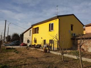 Foto - Casa indipendente Strada Fontane 2, Fontane, Fontevivo