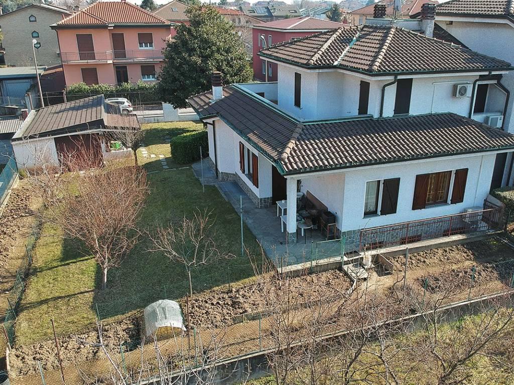 foto  Villa unifamiliare, ottimo stato, 250 mq, Novate Milanese