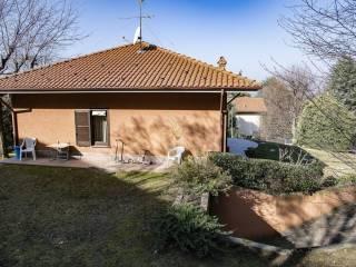 Foto - Villa unifamiliare via Duca Guido Visconti di Modrone 40, Cassago Brianza
