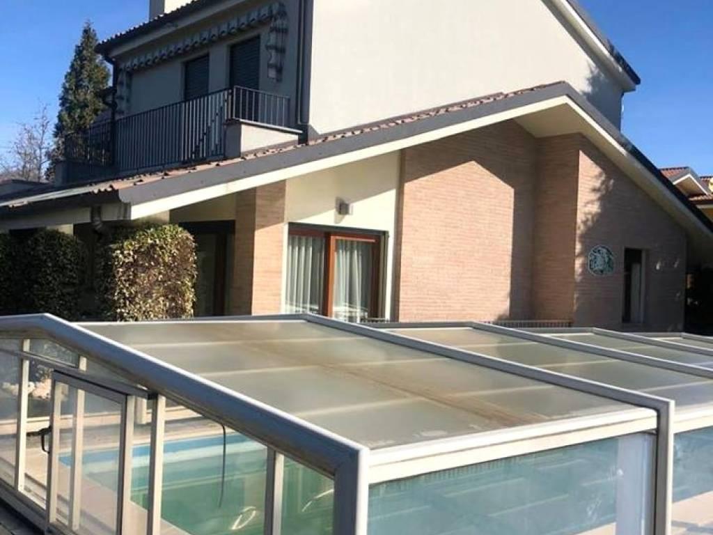 foto  Villa unifamiliare, ottimo stato, 370 mq, Sirtori
