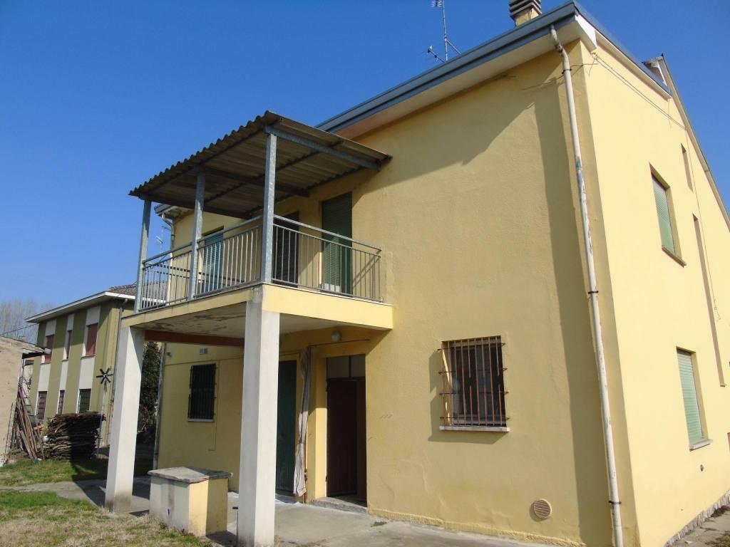 foto  Two-family villa Circonvallazione Ovest, Luzzara
