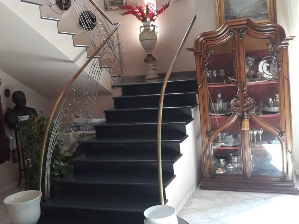 Piscine A Nocera Inferiore vendita villa plurifamiliare in via montalbino nocera