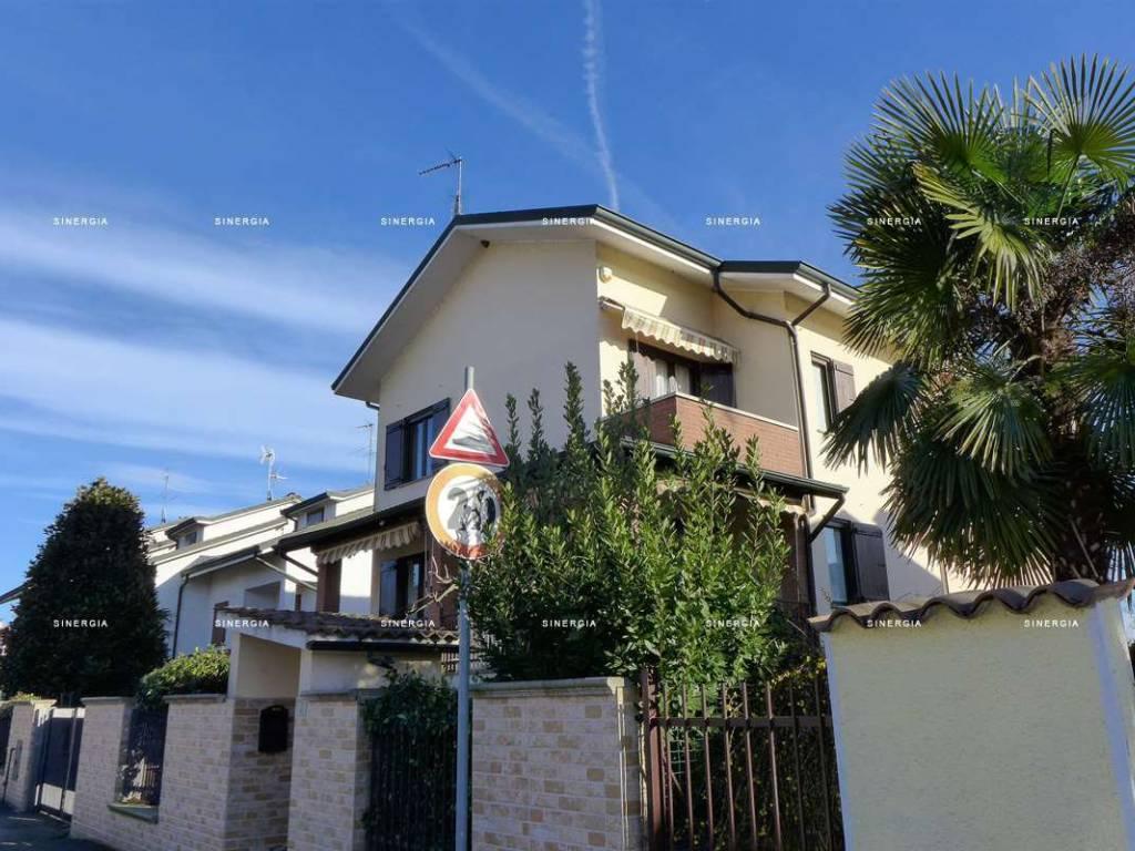 foto Esterno Villa a schiera via Don Luigi Sturzo, Albairate