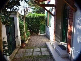 Bagno Conchiglia Castiglioncello : Case e appartamenti via della conchiglia rosignano marittimo
