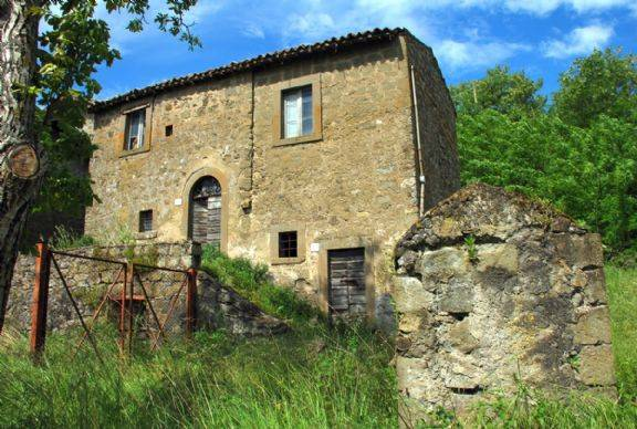 €50k Stunning Grand old Farm House for Sale in Tuscany
