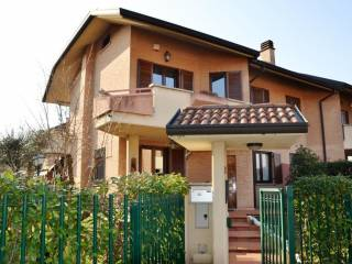 Photo - Terraced house via Maria Callas, 15, Calderara, Paderno Dugnano