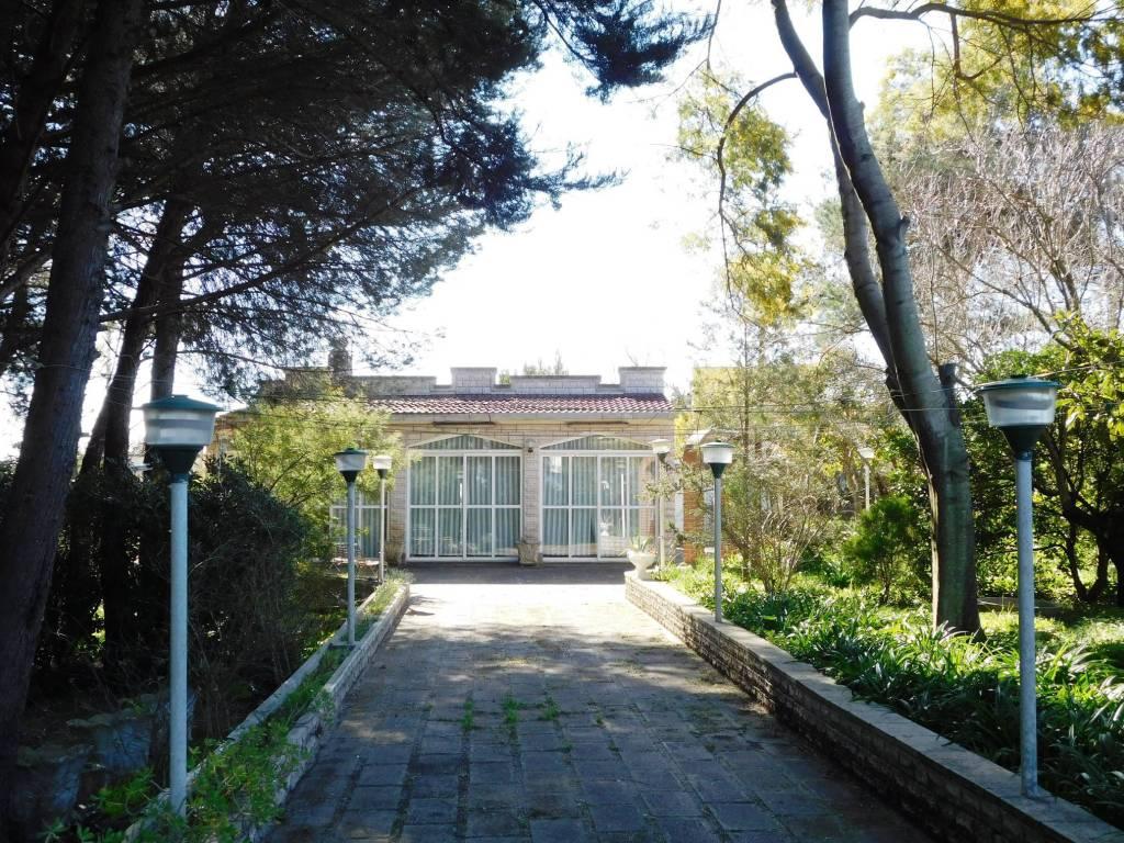 Vendita Villa Unifamiliare In Strada Monti Del Duca Martina
