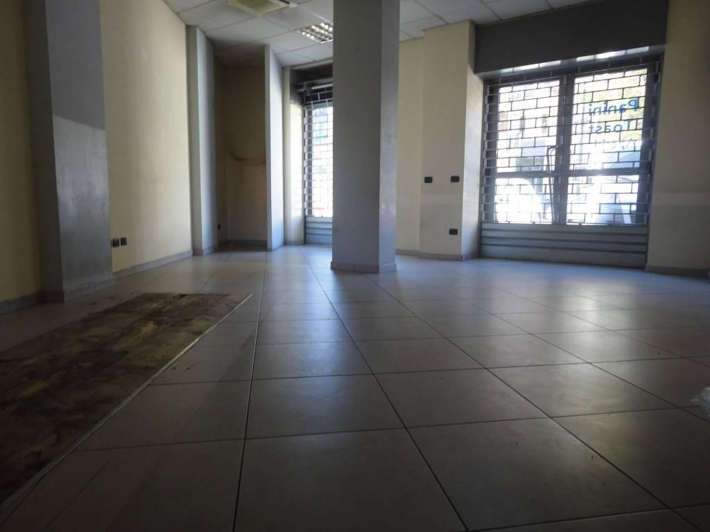 foto NEGOZIO Negozio in Affitto a Torino