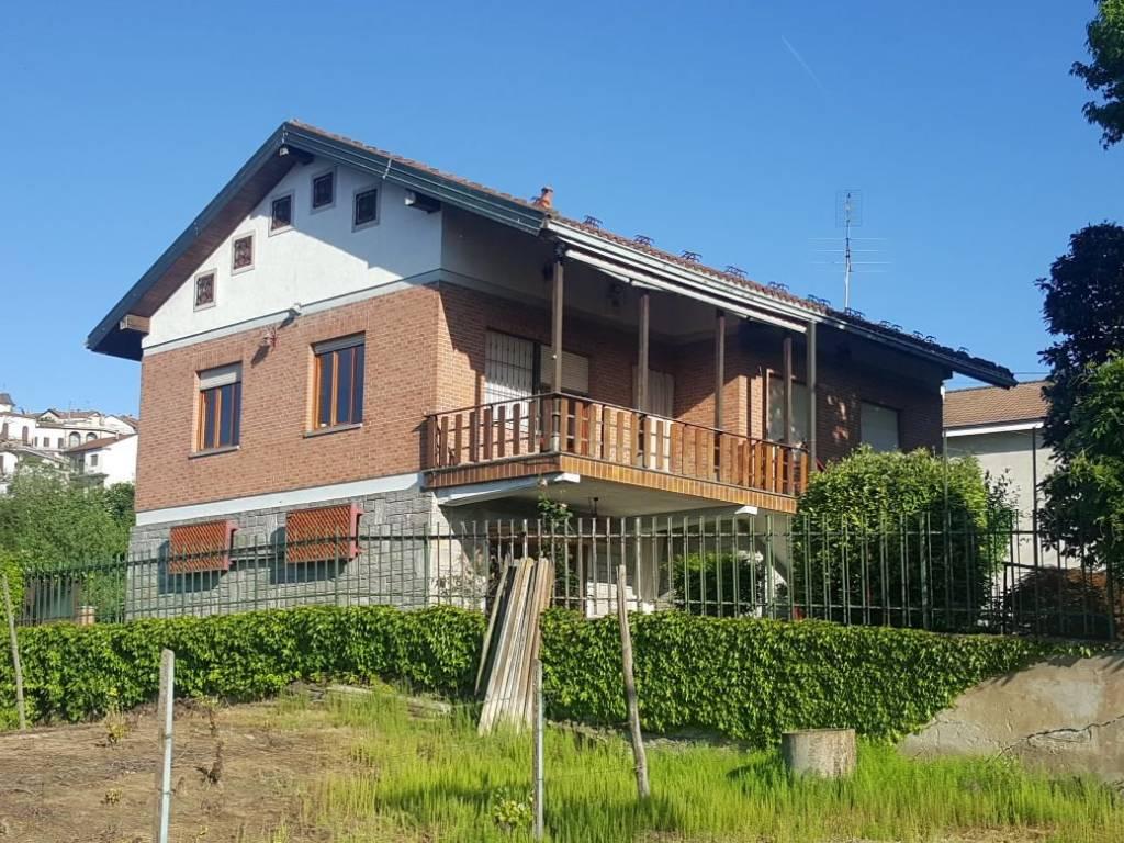 foto  Villa unifamiliare, buono stato, 155 mq, Azzano d'Asti