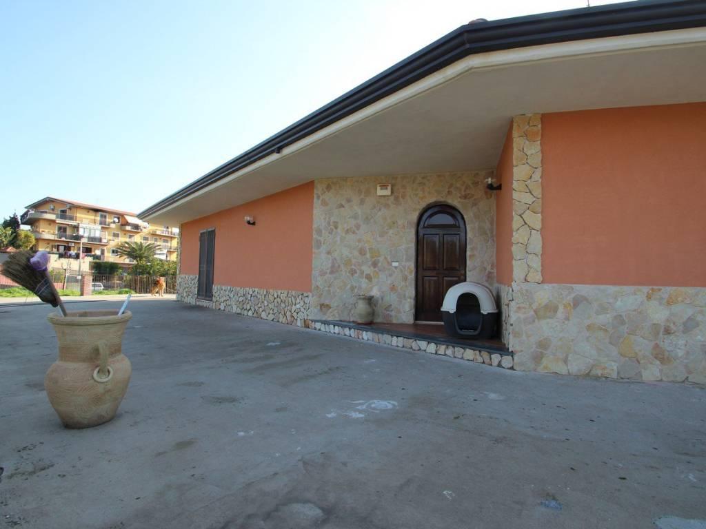 foto  Villa unifamiliare via Monte Cicirello, Mascalucia