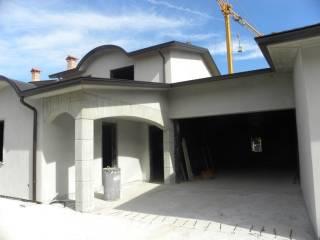 Foto - Villa bifamiliare, nuova, 190 mq, Roveleto, Cadeo