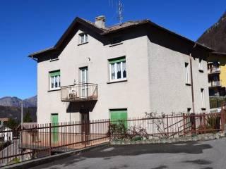 Photo - Building tre piani, good condition, Cornalba