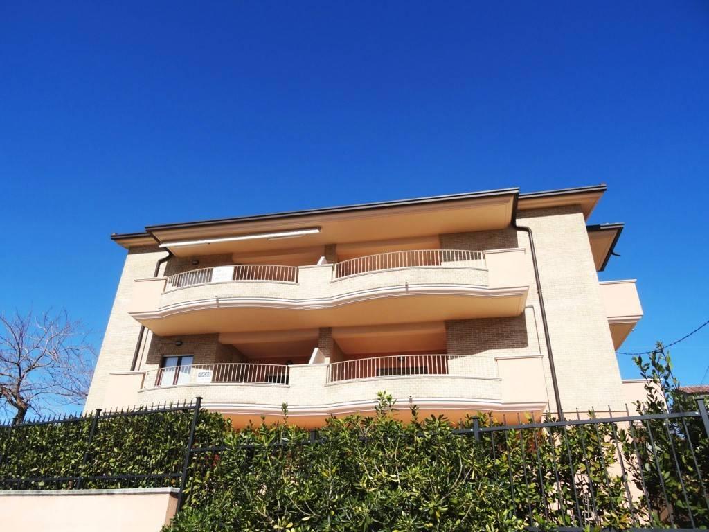 foto Palazzina 3-room flat via Fontanelle 3, Tortoreto