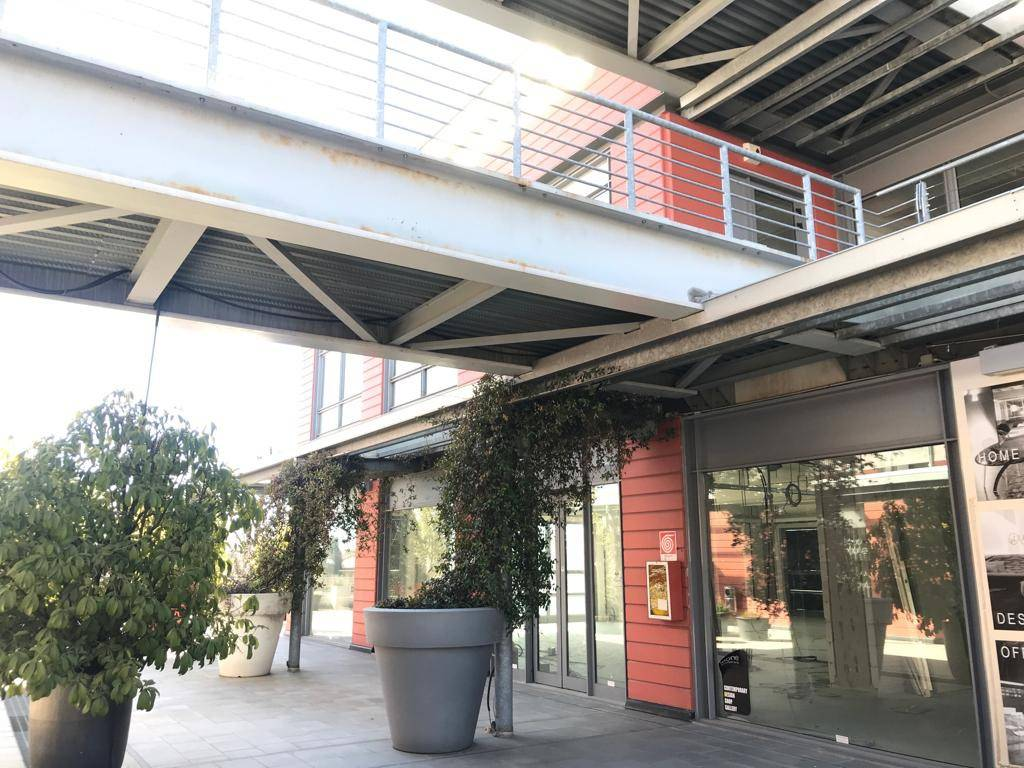 foto esterno Ufficio in Vendita