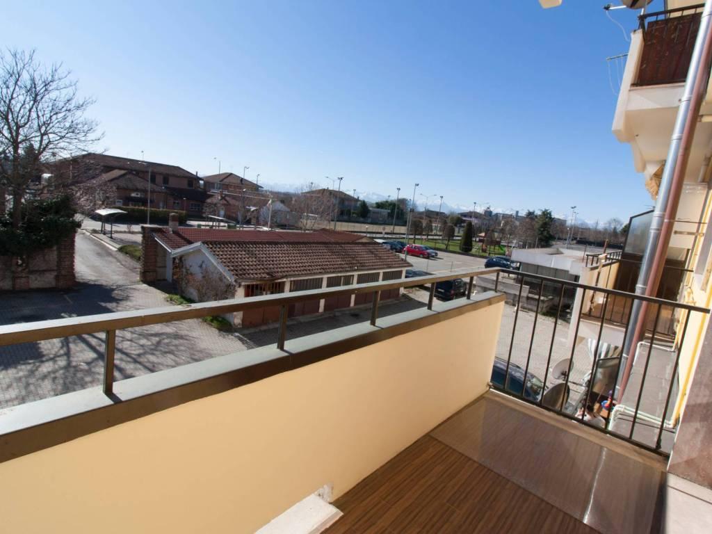 foto Uno dei balconi 2-room flat via Verona 8, Cherasco