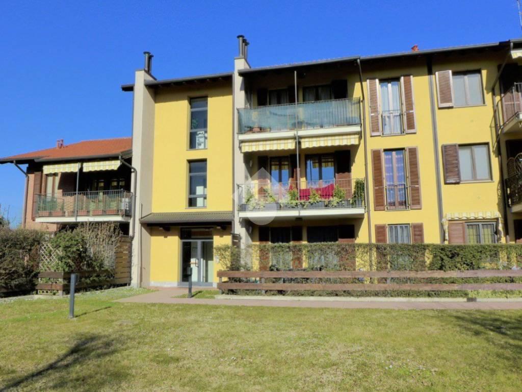 foto ESTERNO 4-room flat via Don Ottavio Sironi, Robecco sul Naviglio