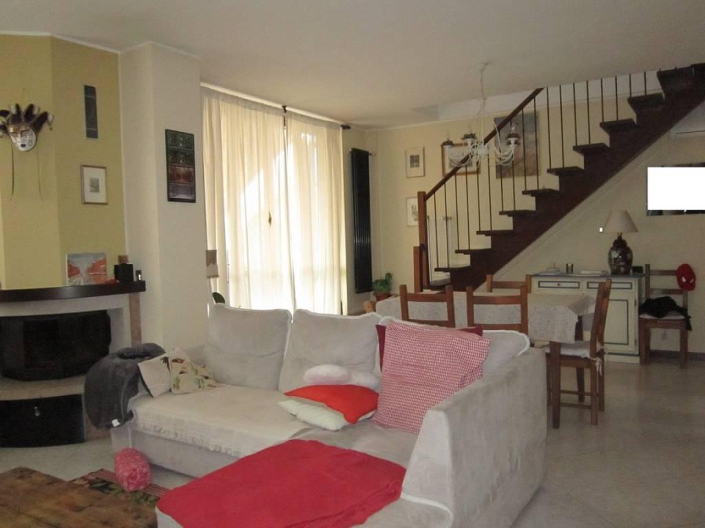 foto soggiorno 3-room flat via Roma 48-A, Colturano