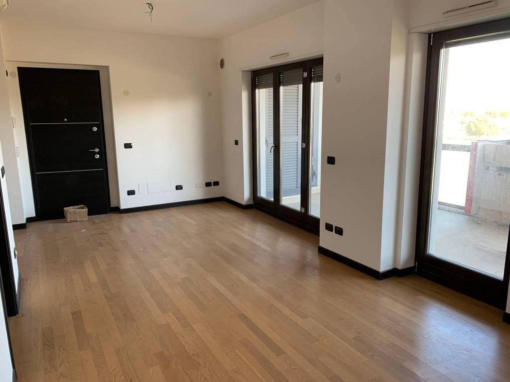 foto soggiorno 2-room flat via Stefano Madia 90, Roma