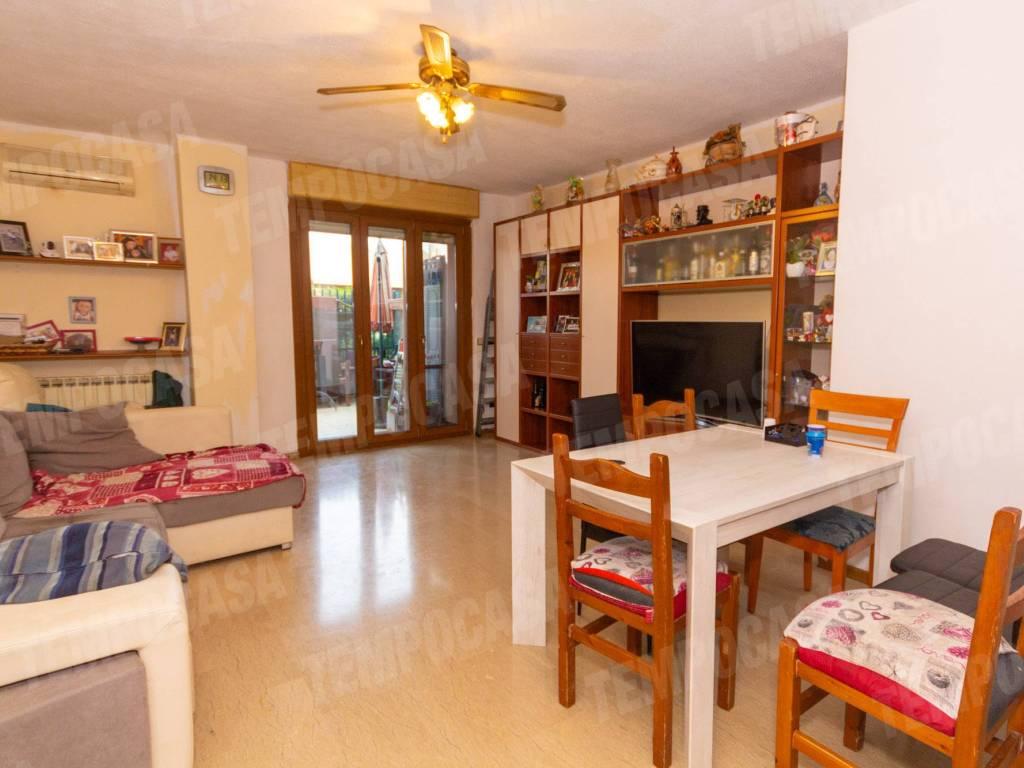 foto soggiorno 4-room flat via dei Tigli 3, Rodano