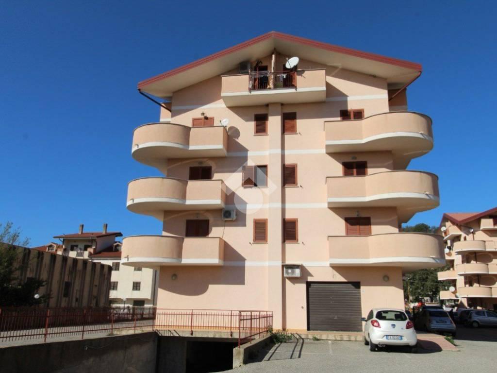 foto  Trilocale terzo piano, Montalto Uffugo