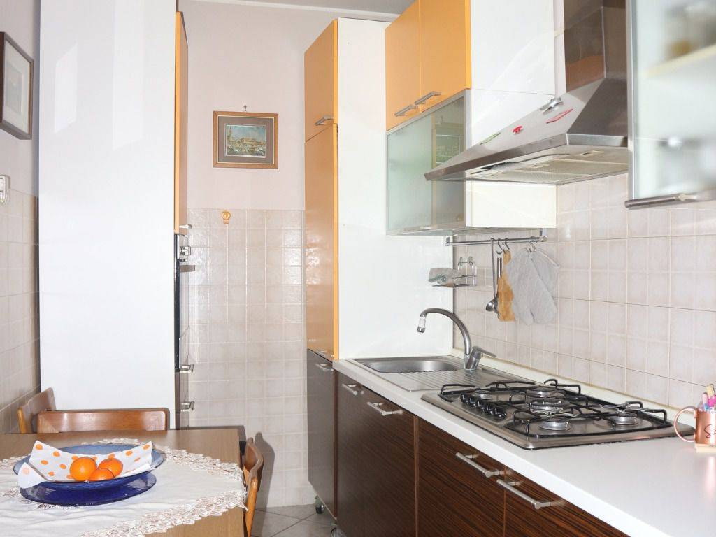 foto cucina 3-room flat via Guglielmo Marconi, Buscate
