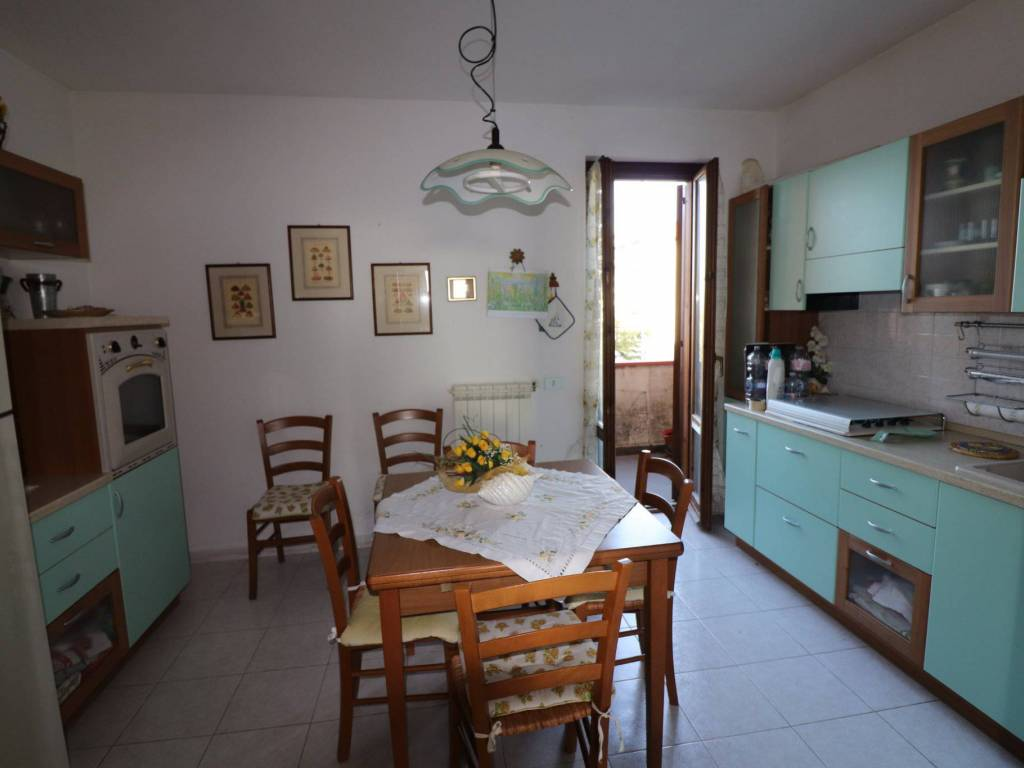 foto cucina Appartamento via Guglielmo Marconi 57, Mosciano Sant'Angelo