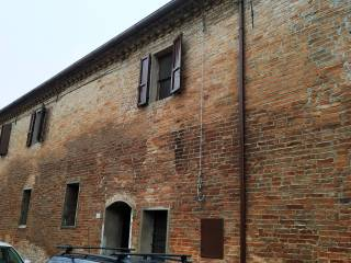 Foto - Appartamento via Peschiera 1, Tresigallo