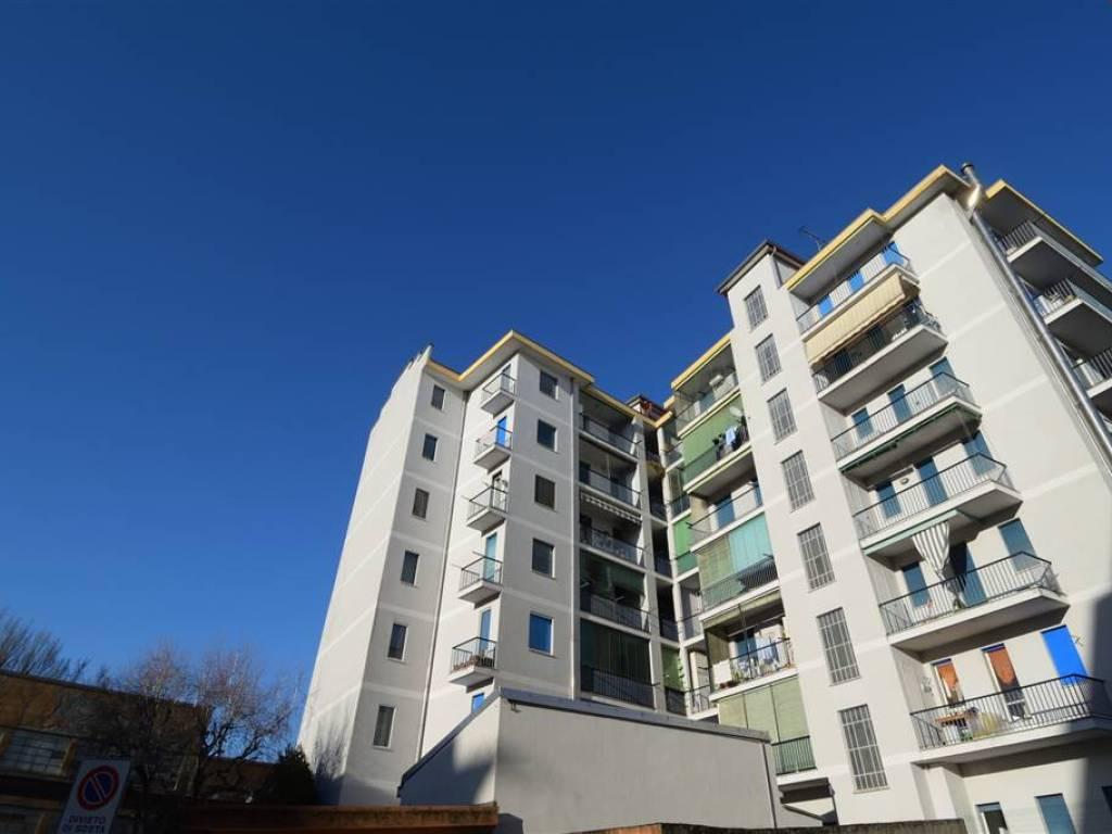 foto  Quadrilocale buono stato, quinto piano, Cossato