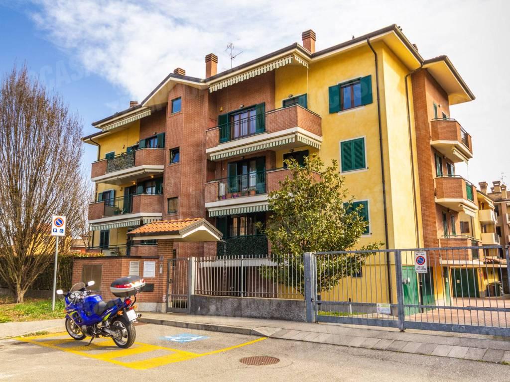 foto palazzina 3-room flat via Brescia 22, Settala