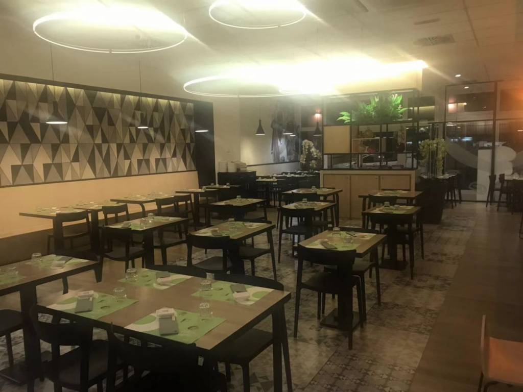 foto Salone Restaurant for Rent