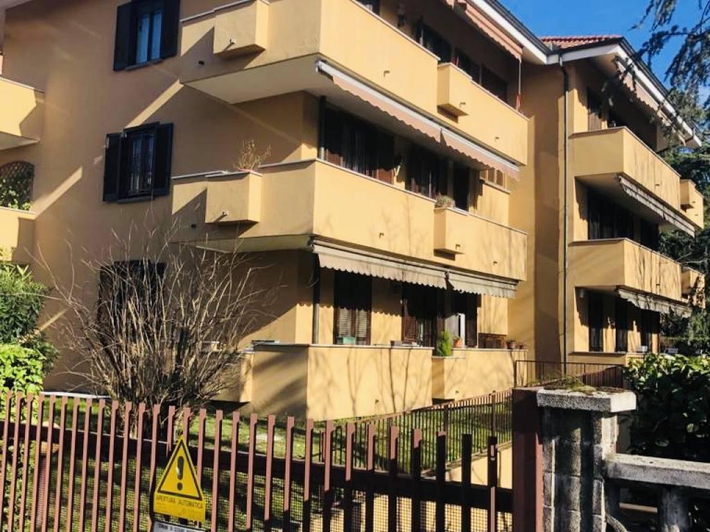 foto PALAZZINA 4-room flat via Monte Grappa 7, Cesano Boscone