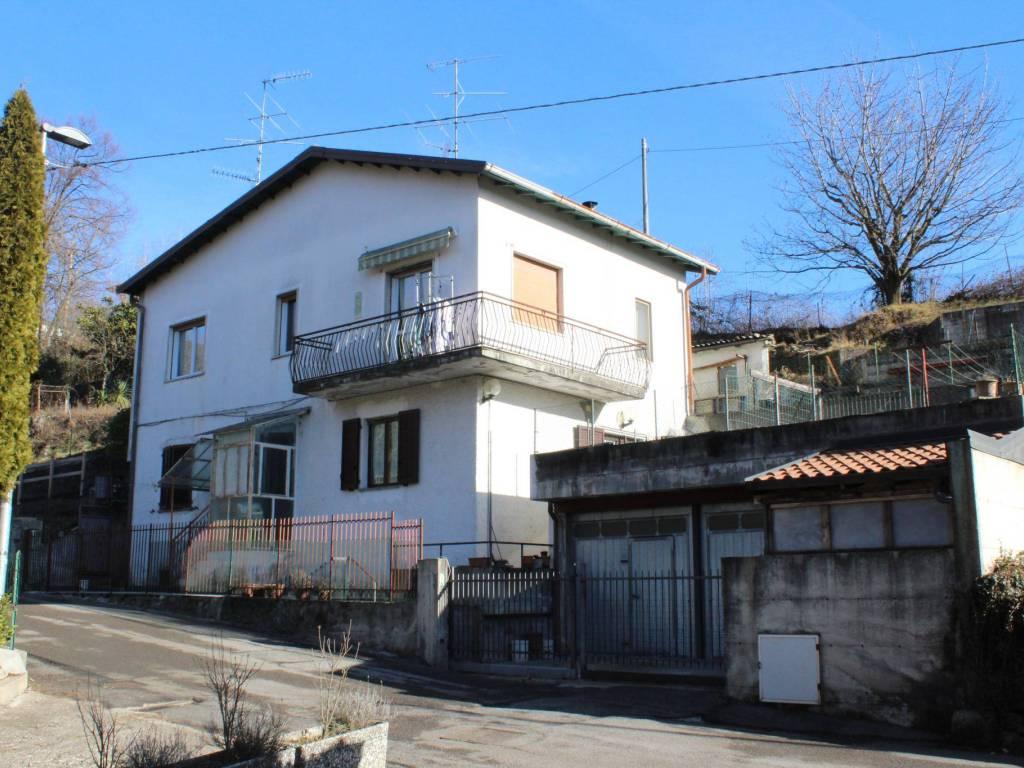 foto  Trilocale via Grasso, Saltrio