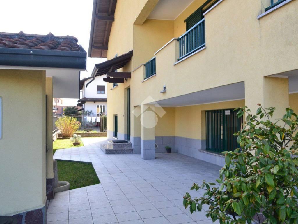 foto Esterno Single family villa via Guglielmo Marconi, Pregnana Milanese