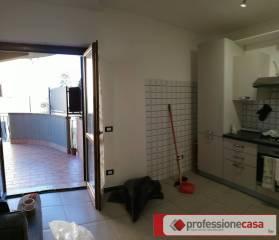 Affitto appartamento monterotondo bilocale in viale for Affitto ufficio monterotondo