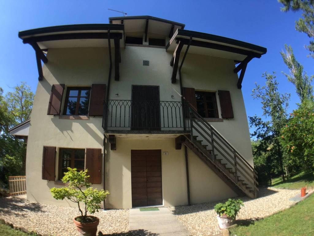foto  Two-family villa, good condition, 140 sq.m., Carpineti