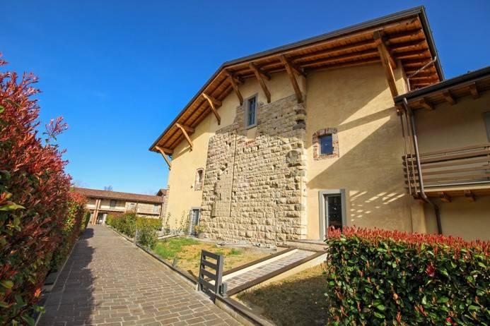 foto  Vivienda unifamiliar 325 m², muy buen estado, Bergamo