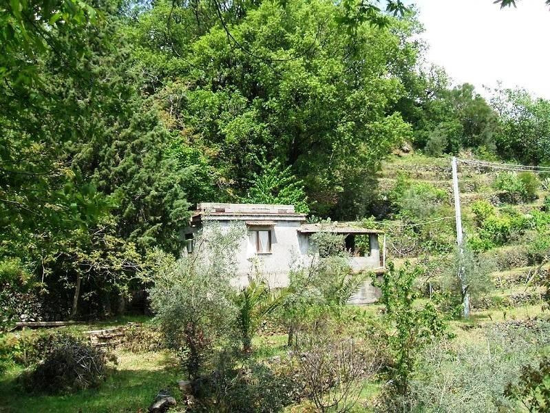 foto  Country house, to be refurbished, 35 sq.m., Linguaglossa