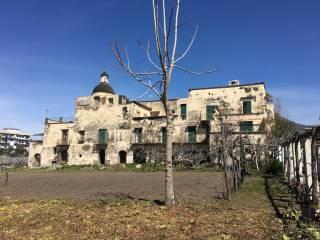 Foto - Stabile o palazzo due piani, da ristrutturare, Sorrento