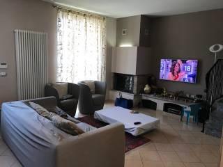 Foto - Villa a schiera 4 locali, ottimo stato, Orio Litta