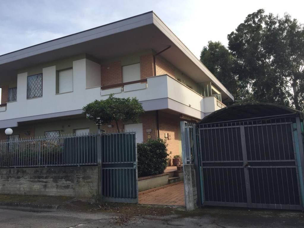 foto  Single family villa via Figlie della Sapienza 15, Silvi Marina