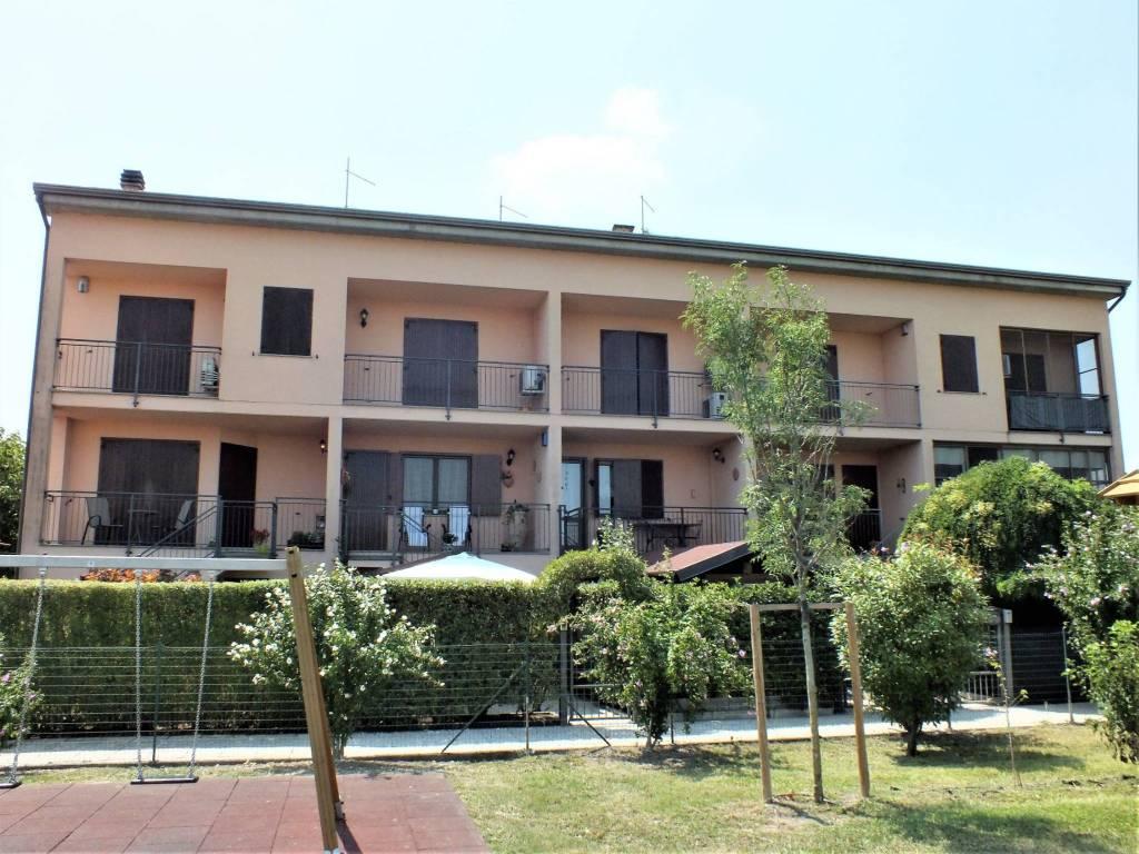 foto  Villa a schiera via Vittorio De Lama, Torrile
