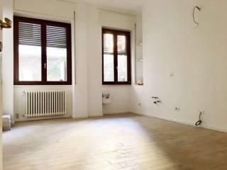 Foto - Trilocale via COLA DI RIENZO, Solari, Milano