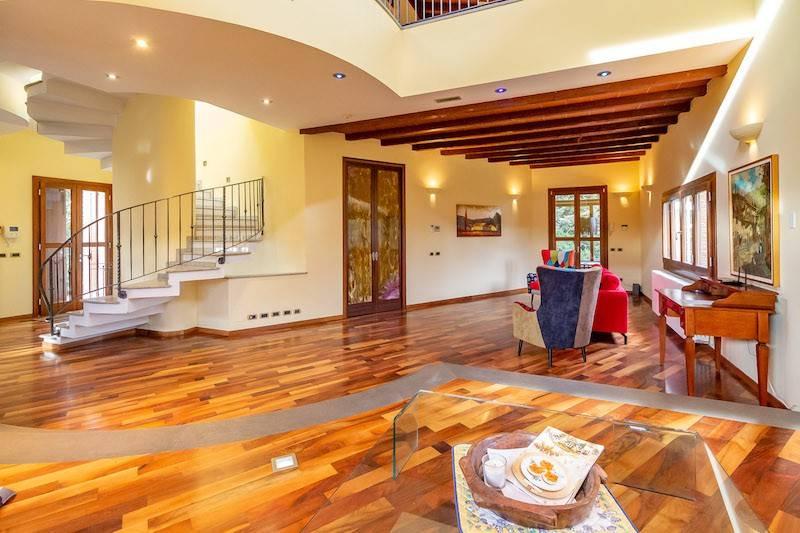 foto salone Single family villa via Alzaia Trieste, Corsico