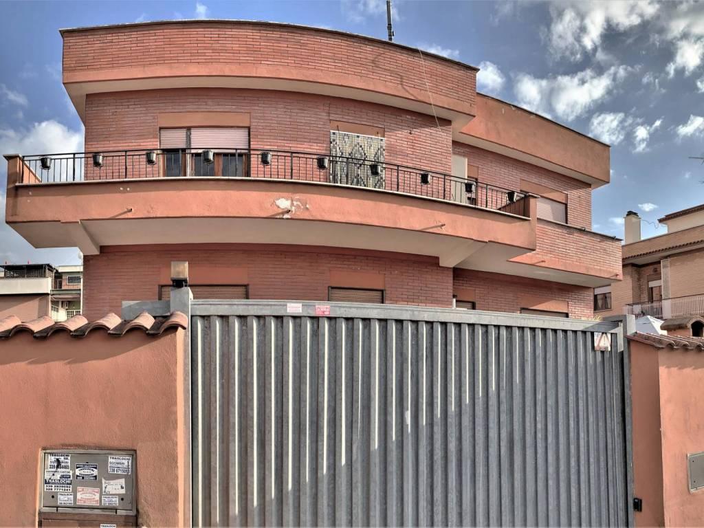 foto PRINCIPALE Apartamento T3 via Stefano Assemani, Roma