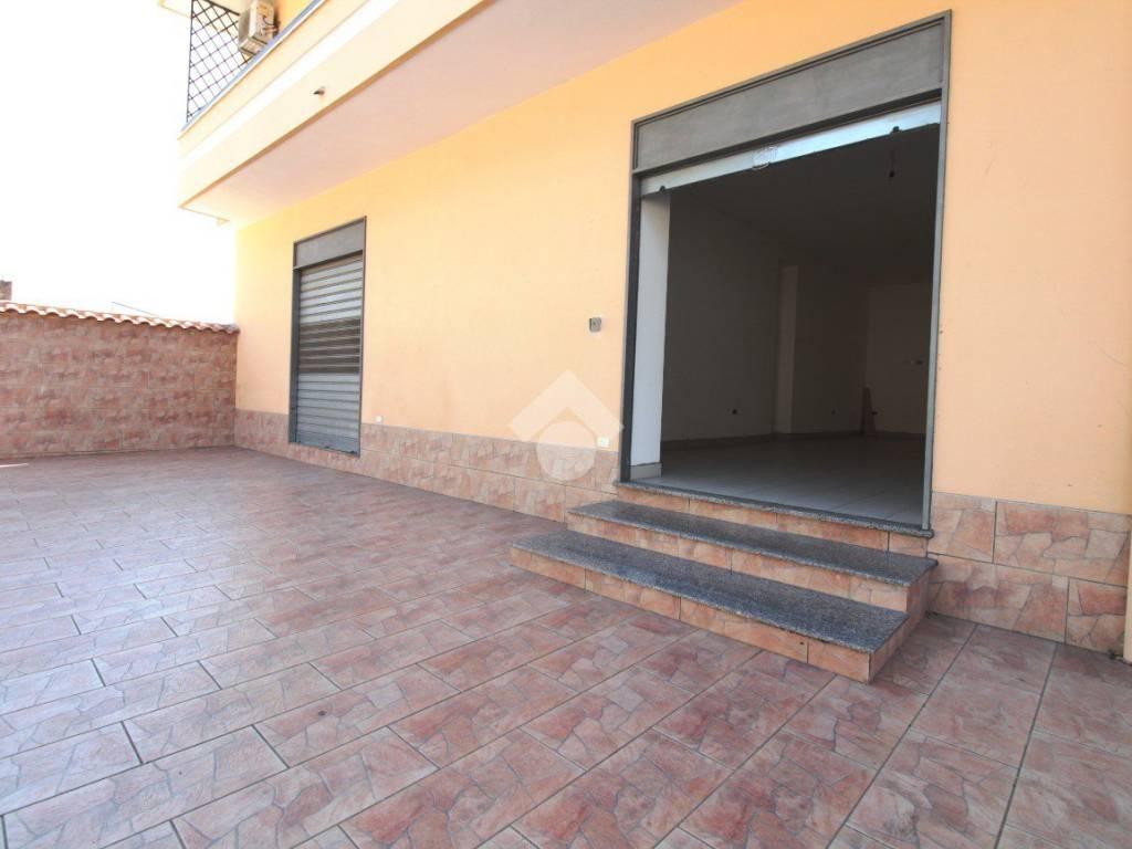 foto virtual tour 1043 Negozio in Affitto a Casapulla