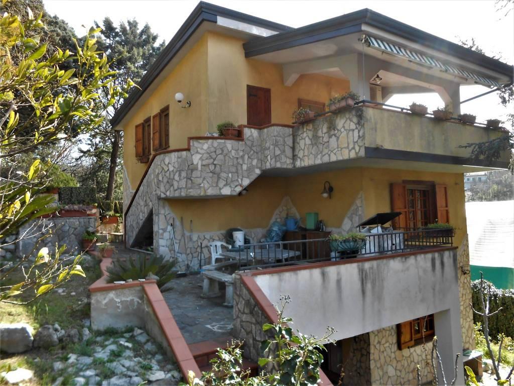 foto  Villa unifamiliare Strada Provinciale San Salvatore-Telese-Cerreto, Castelvenere