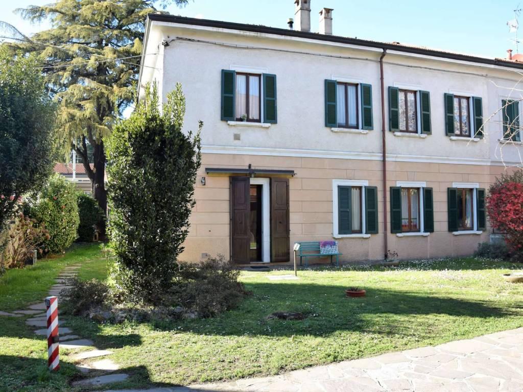 foto esterno Villa unifamiliare via IV novembre, Cabiate