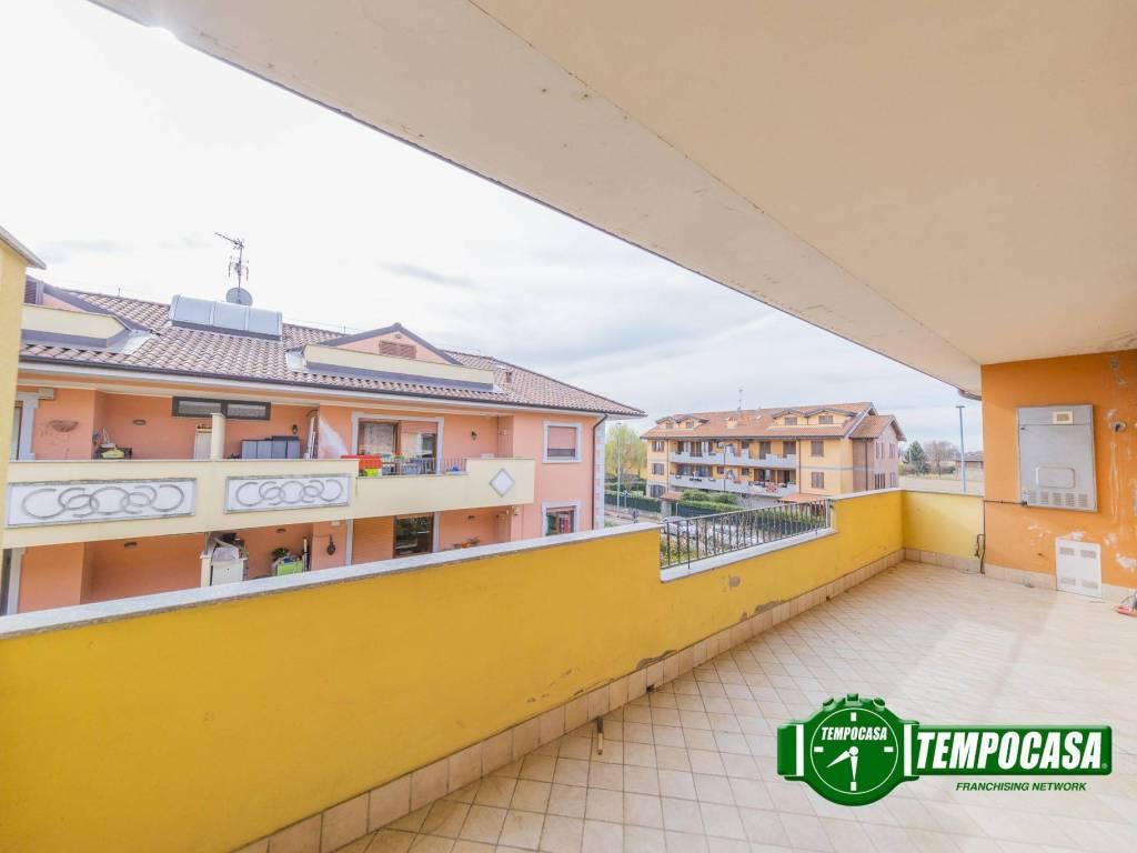 foto Terrazzo 3-room flat via A  Valè, Noviglio