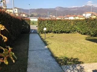 Foto - Villa a schiera via Fratelli Mazzola, Almè